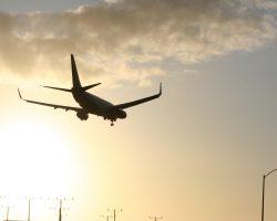 landing-735299_1920